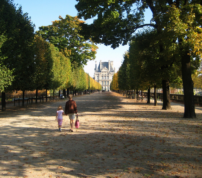 walking to the Louvre