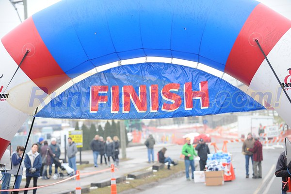 Finish, Gallery 1 - 2018 Brooksie Way Chill at the Mills 5K