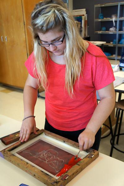 Lutheran-West-Art-Class-Silk-Screen-T-Shirts--September-2012--39.JPG