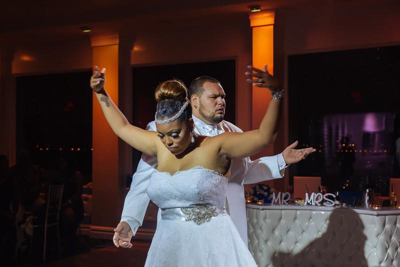 MER__1323_tonya_josh_new jerrsey wedding photography.jpg