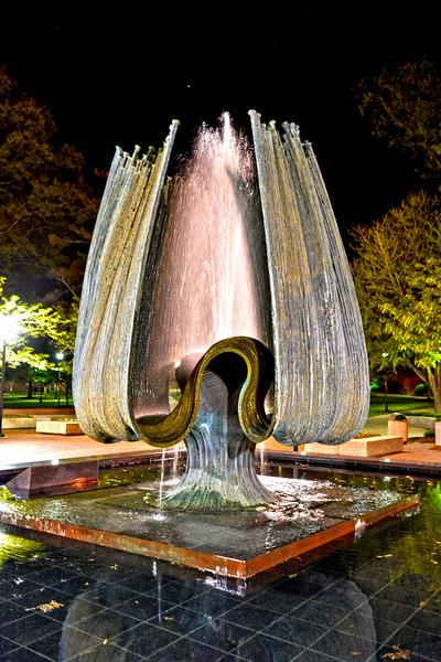 fountain1463.jpg