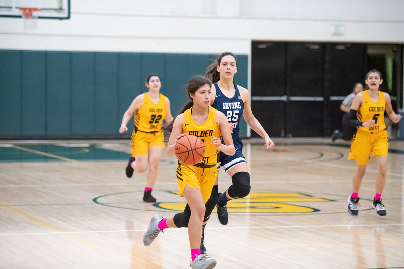 Basketball-W-2020-01-31-7775.jpg