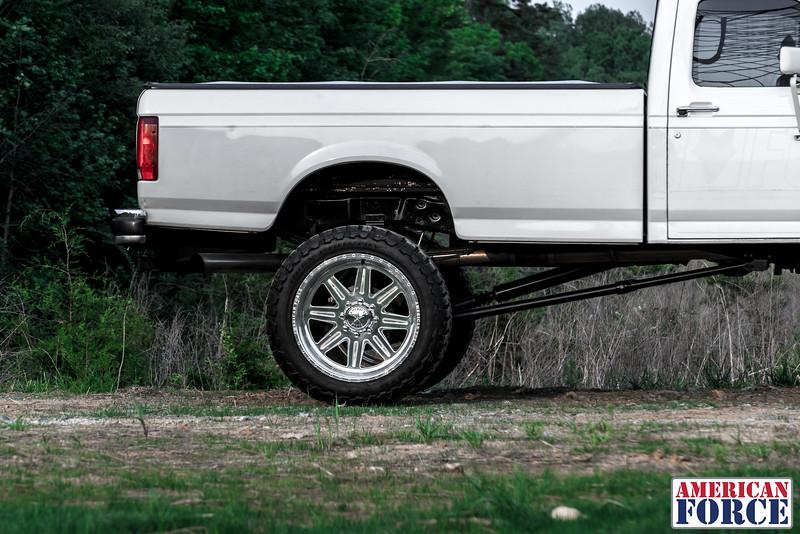 SDP-Kreg-O'Hara-White-1997-Ford-F250-24x12-Legend-@streetdieselperformance-170429-DSC05948-63.jpg