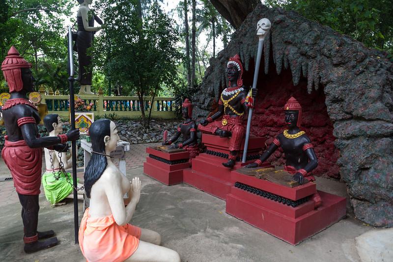 Wat Muang_Ayutthaya (10 of 52).jpg