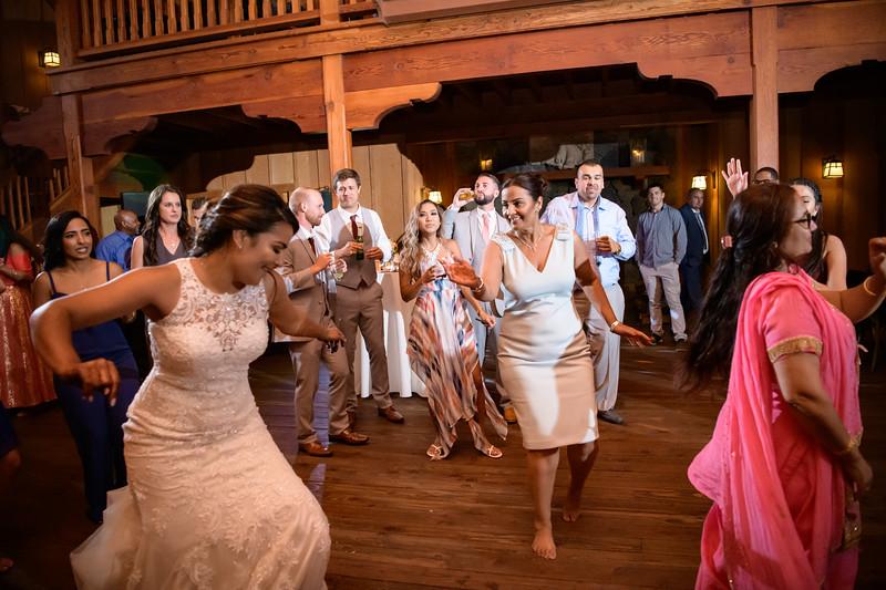Neelam_and_Matt_Nestldown_Wedding-2100.jpg