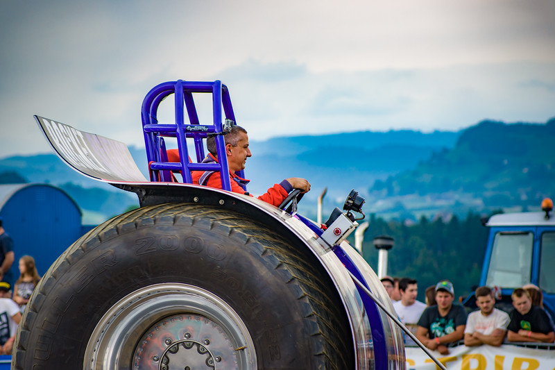 Tractor Pulling 2015-02426.jpg