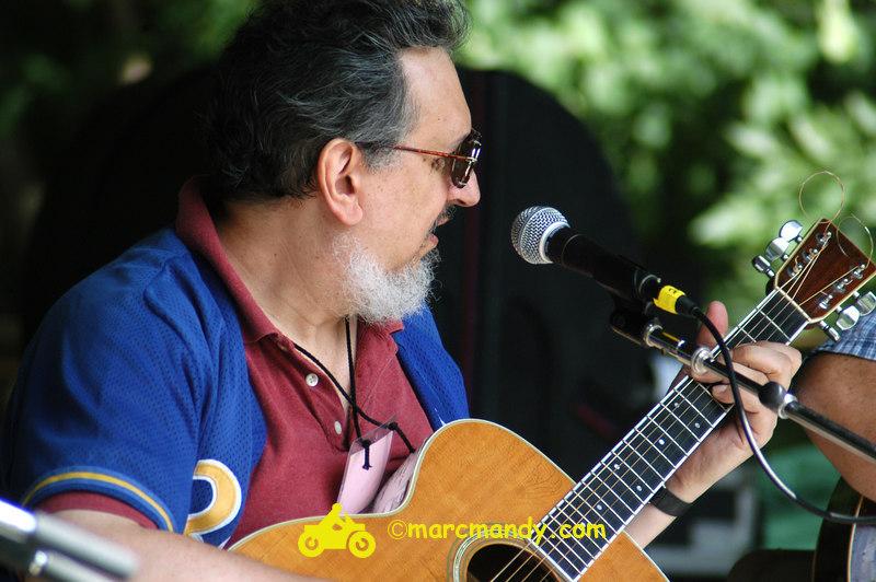 Phila Folk Fest- Sat 8-27 002 Guitar Styles Wkshp.JPG