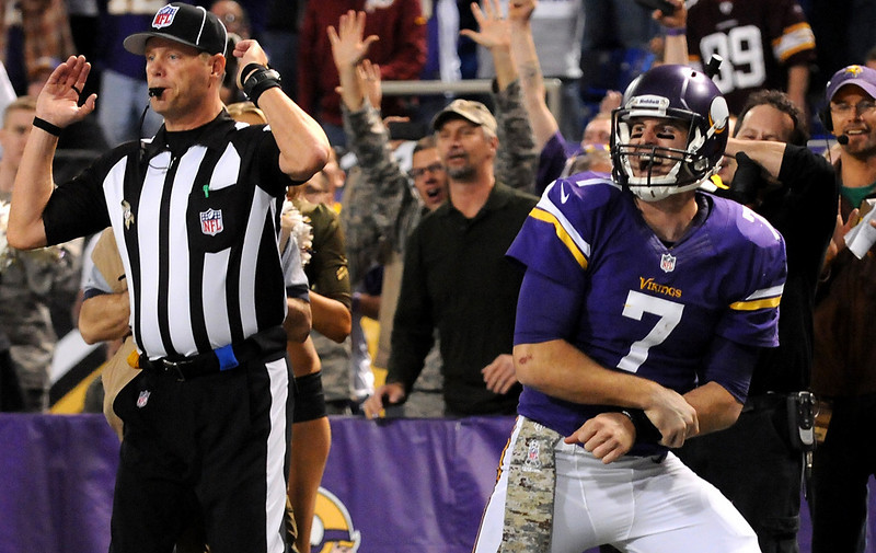 . Minnesota Vikings quarterback Christian Ponder reacts to his injury during the third quarter. (Pioneer Press: Sherri LaRose-Chiglo)