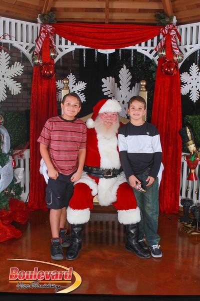 Santa 12-10-16-361.jpg