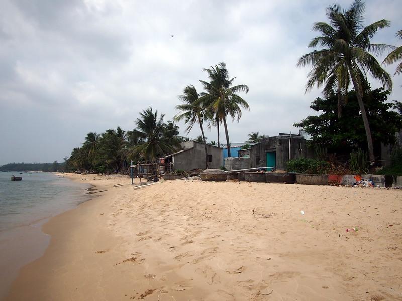 P1307149-beach-village.JPG