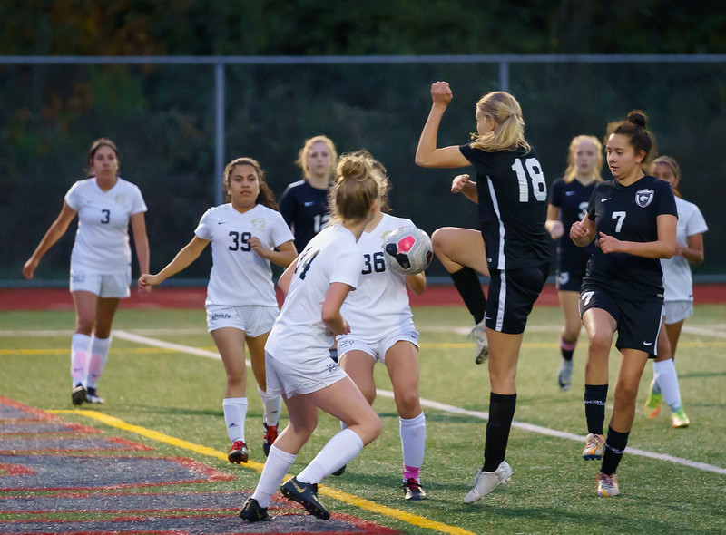 2019-10-24 JV Girls vs Lynnwood 034.jpg