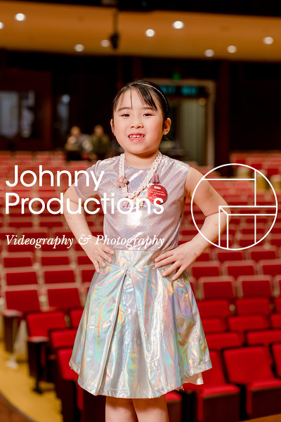 0083_day 1_orange & green shield portraits_red show 2019_johnnyproductions.jpg