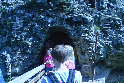Black Hills Cavern