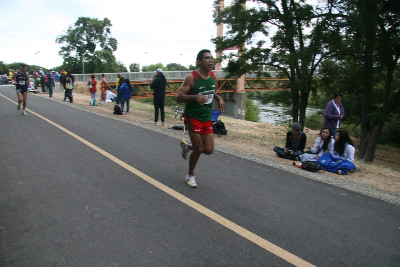 Sac 17th Marathon 005.JPG