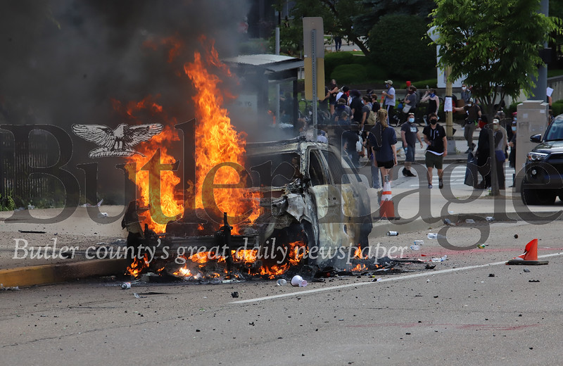 0601_loc_Pittsburgh Riot 30.jpg