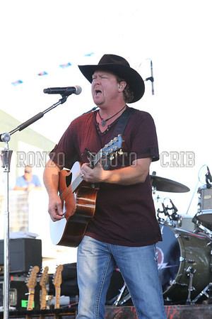 Tracy Lawrence 2013