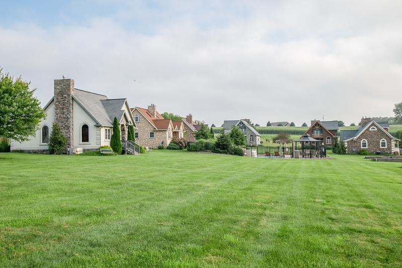 Premier Cottages 005.jpg