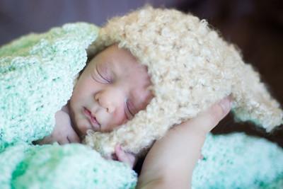 marshall's newborn shots--preview