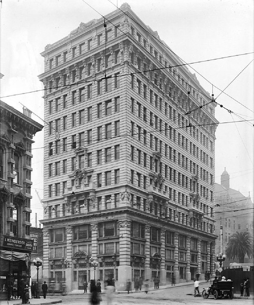 Exterior view of the International Bank Building on the southwest corner of Spring Street and Temple Street, Los Angeles, 1910