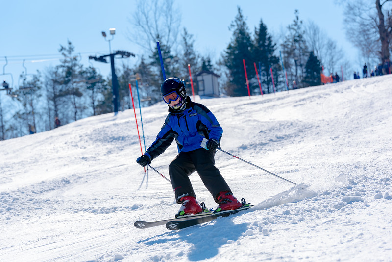Standard-Race_2-3-18_Snow-Trails-73518.jpg