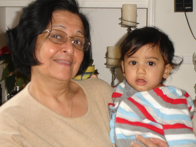swati and kids in London 2008 147.JPG