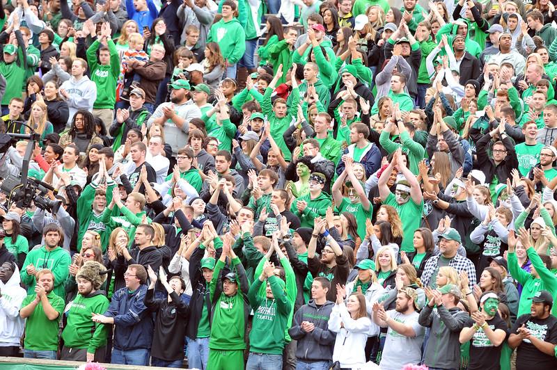 crowd9492.jpg