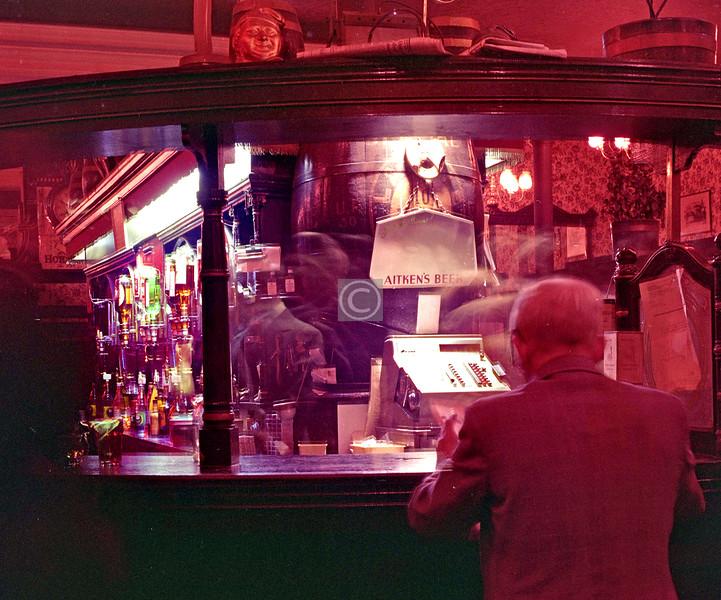 Horse Shoe Bar     September 1976