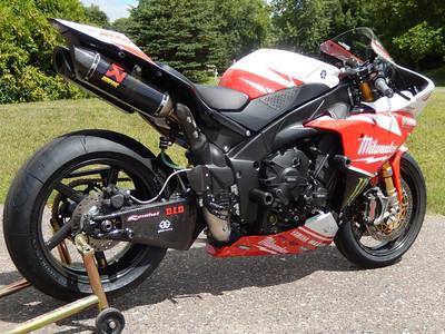Milwaukee Yamaha R1