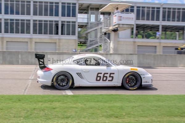 TD 665 White