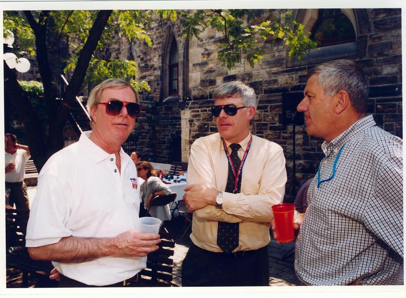 Gallery mugging Don Newman, Chris Wadell and Jim Travers 2004 001.jpg