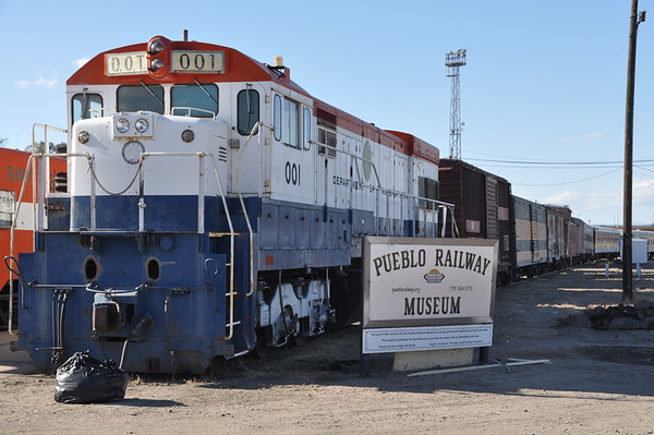 D&RGW RR Depot, Pueblo, Wed., Oct. 19, 2016 with Lorraine