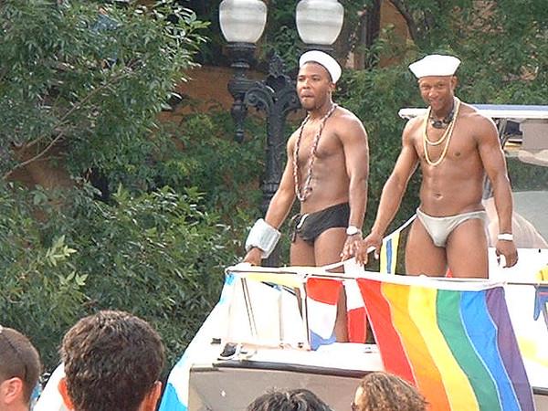 Pride Parade 2001-127.jpg