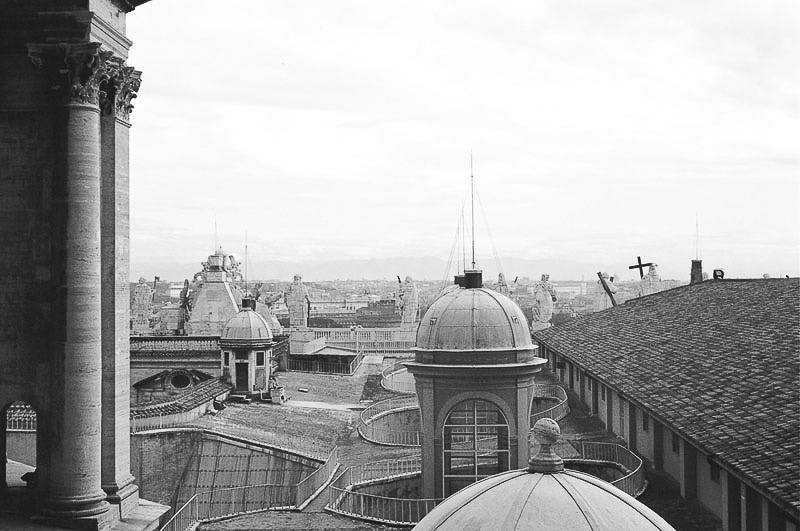 Friday_Popeworld_The_roof_and_skyline