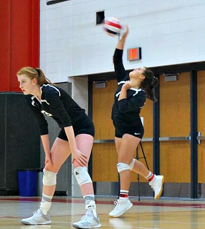 Dodgeville Volleyball vs Mt Horeb & Prairie 9-7, 10-19