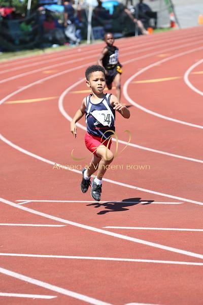 2017 AAU DistQual: 8 and Under Boys 200m