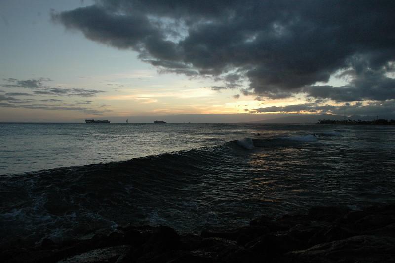 Hawaii - Ala Moana Beach Sunset-103.JPG