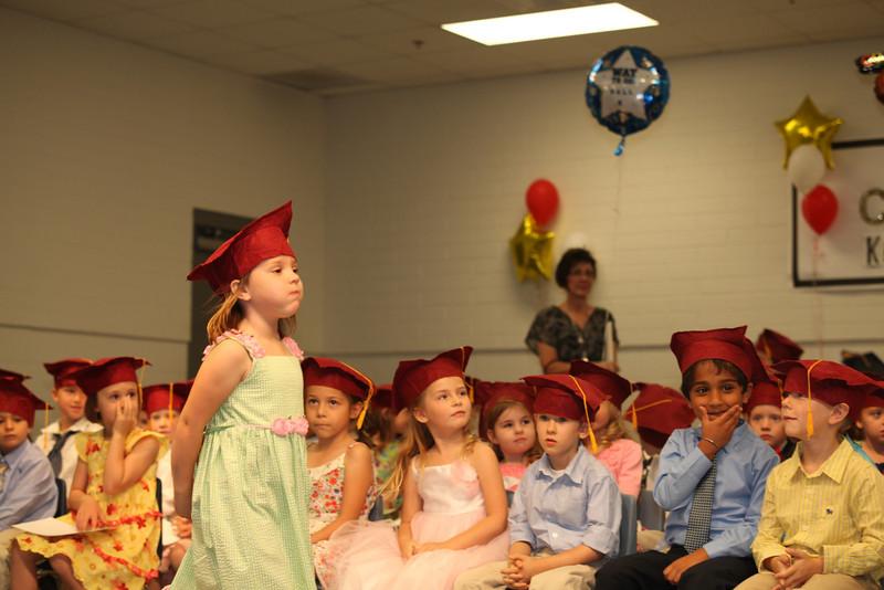 2012May18_MTA Kinder Grad_9697.JPG