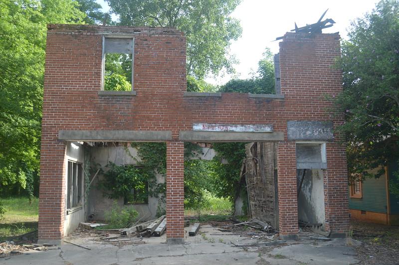 121 Ruins of City Hall, Glendora.JPG