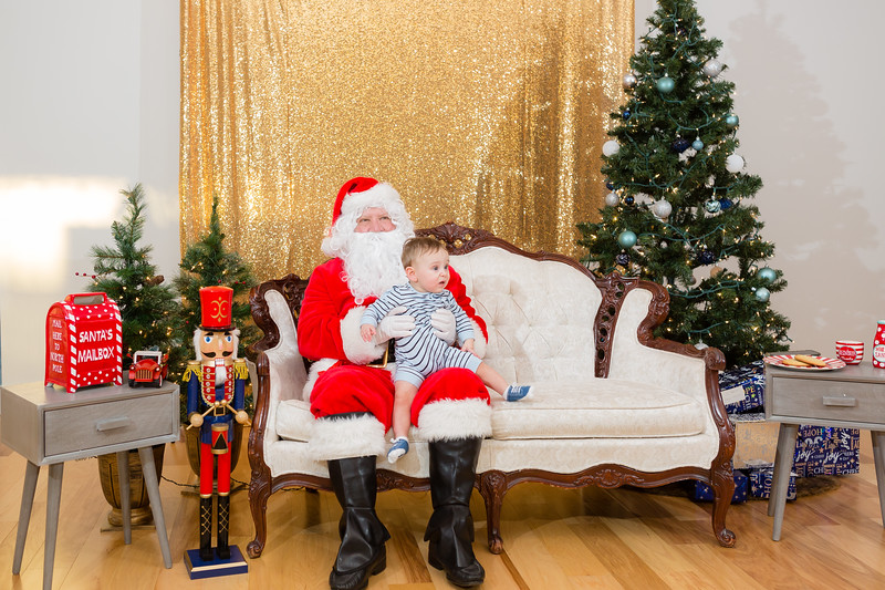 FADS Picture with Santa-228.jpg