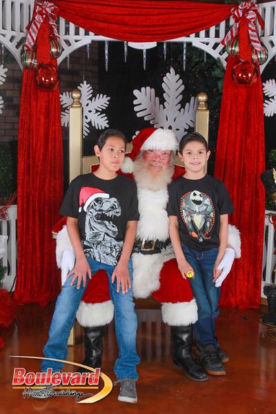 Santa 12-10-16-359.jpg