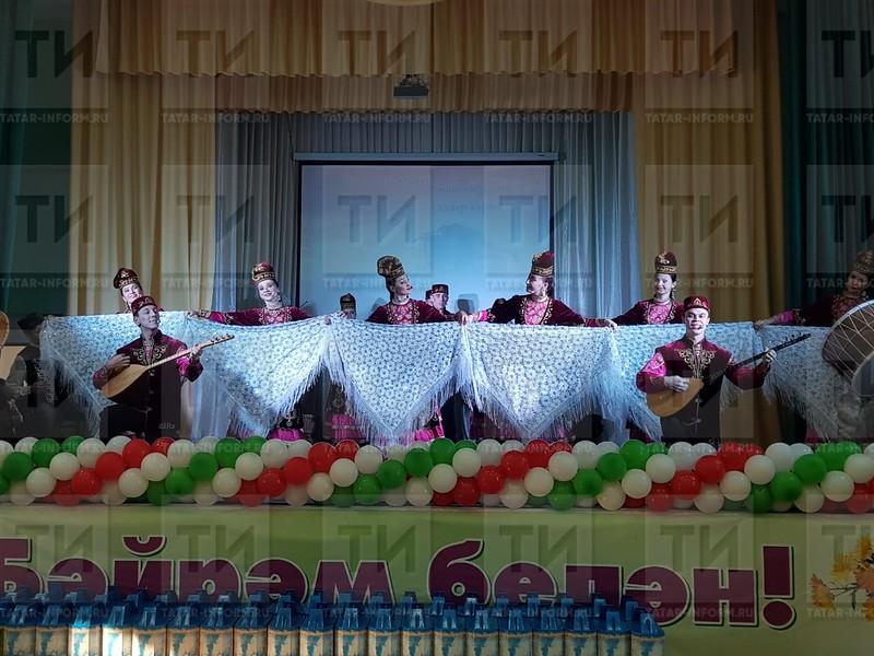 Поздравление работников полей. Автор: Алия Хайрутдинова