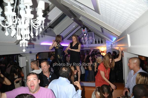 atmosphere photo by Rob Rich/SocietyAllure.com © 2013 robwayne1@aol.com 516-676-3939