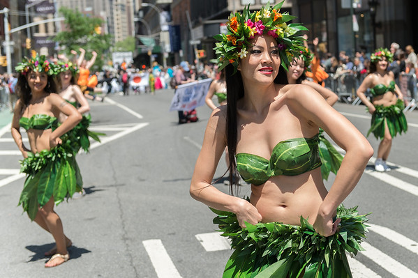 Nine thousand dancers show off their moves at NYC 2014 Dance Parade