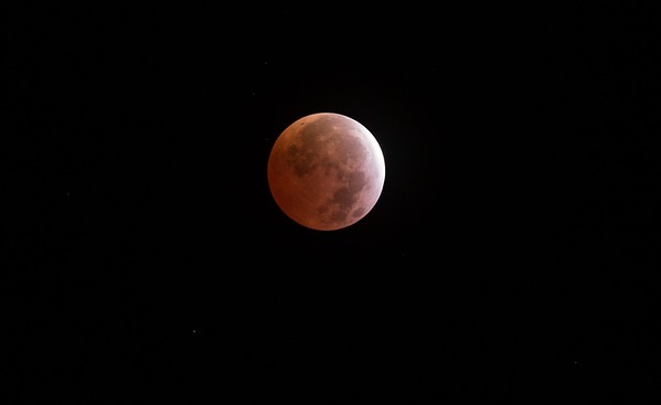 Lunar eclipse of April 4th 2015 from California