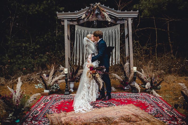 Requiem Images - Luxury Boho Winter Mountain Intimate Wedding - Seven Springs - Laurel Highlands - Blake Holly -1084.jpg