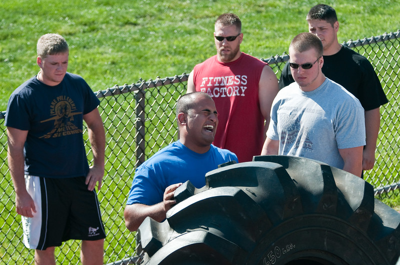 Strongman2009_Crowd_DSC0903-1.jpg