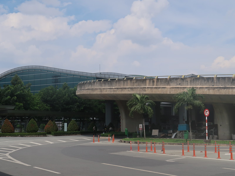 IMG_4705-quiet-international-terminal.JPG