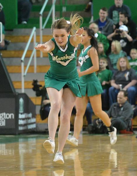 cheerleaders2250.jpg