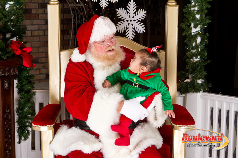 Santa Dec 8-36.jpg