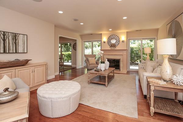15 Deep Well Lane, Los Altos / Creekside Oaks
